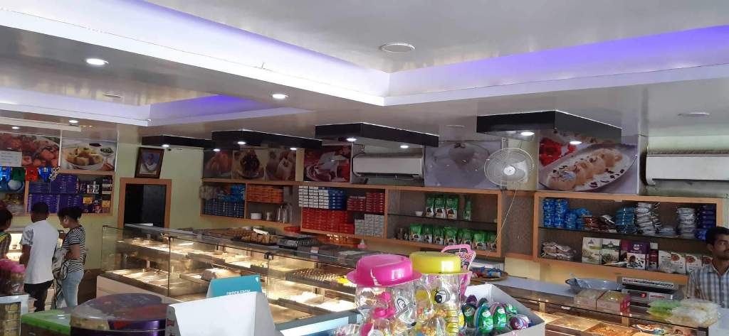 Hardayal Sweets in Station Road, Sitapur