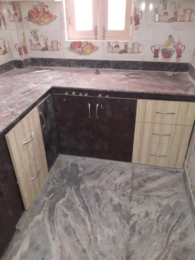 independent house for sale in kankhal haridwar 7O6O738171